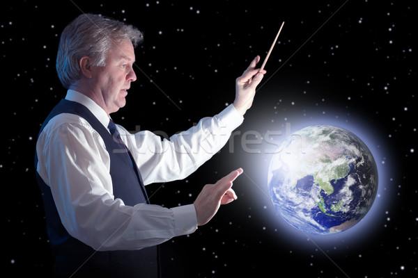 Globale zakenman beïnvloeden Blauw planeet aarde Stockfoto © georgemuresan