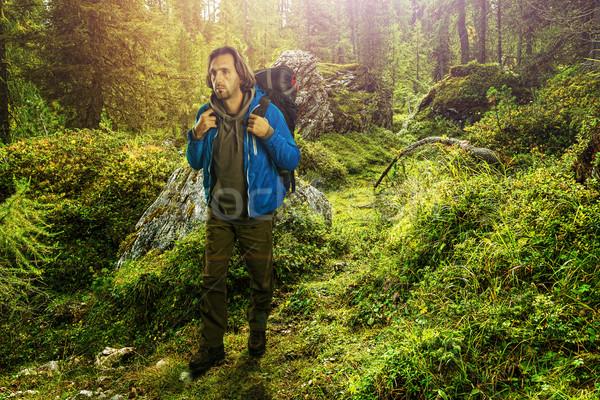 Uzun yürüyüşe çıkan kimse İtalyan ağaçlar dağ seyahat kayalar Stok fotoğraf © Geribody