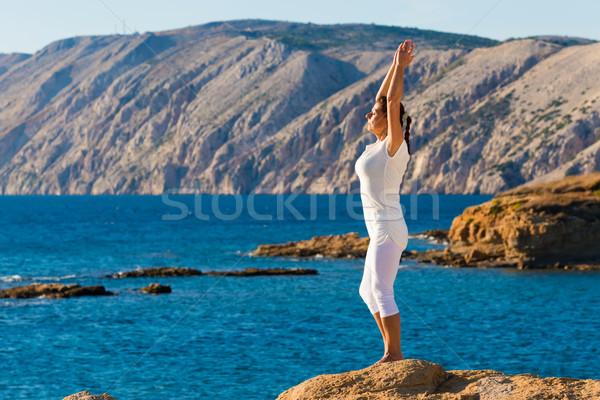 Sağlıklı orta yaşlı kadın uygunluk açık havada kadın Stok fotoğraf © Geribody