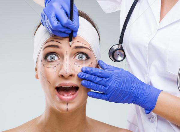 Mooie vrouw gezicht chirurgisch kijken meisje gezondheid Stockfoto © Geribody