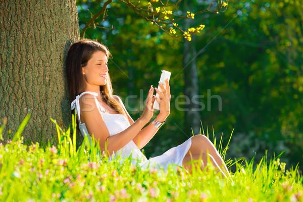 Portre genç güzel gülümseyen kadın Stok fotoğraf © Geribody