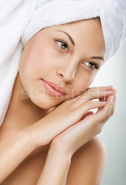 Spa kadın güzel kız banyo dokunmak yüz Stok fotoğraf © Geribody