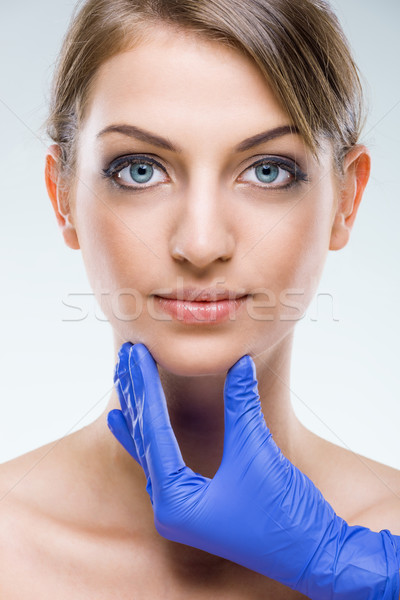 Mooie vlekkeloos vrouwelijke gezicht meisje medische Stockfoto © Geribody