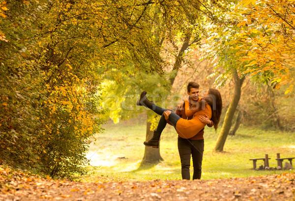 Liebe Mann up Frau Himmel Mädchen Stock foto © Geribody
