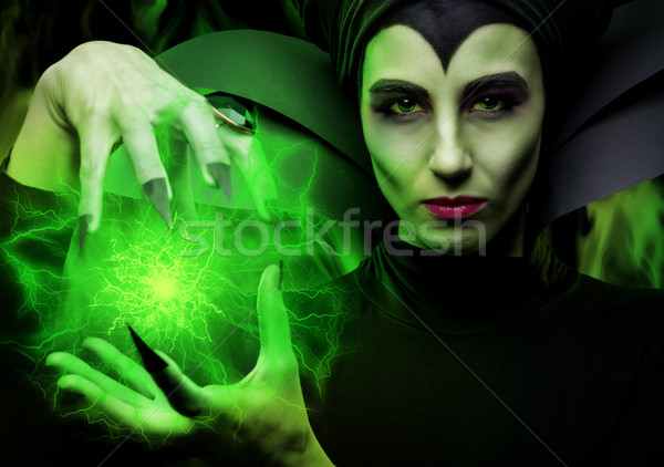 Demoníaco mulher filme verde bola máscara Foto stock © Geribody
