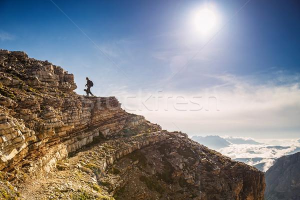 Uzun yürüyüşe çıkan kimse İtalya gökyüzü gün batımı manzara arka plan Stok fotoğraf © Geribody