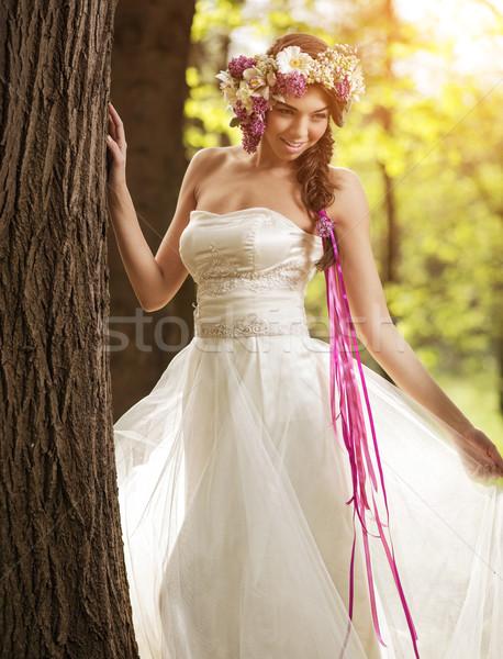 Belle mariée fleur tiare arbre fleurs Photo stock © Geribody