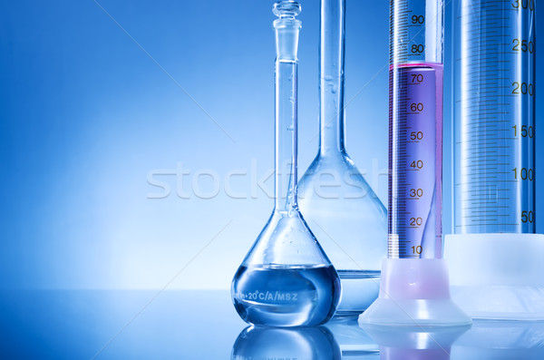 Laboratórium felszerlés üvegek piros folyadék víz Stock fotó © Geribody