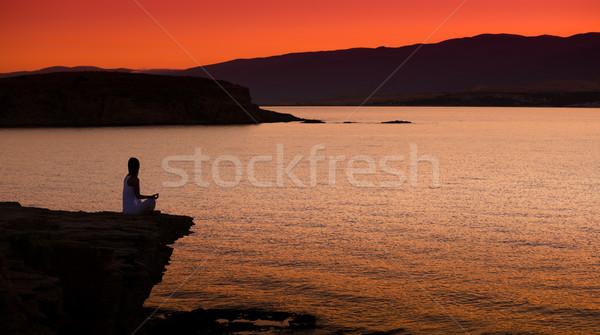 Сток-фото: силуэта · женщину · йога · пляж · закат · небе