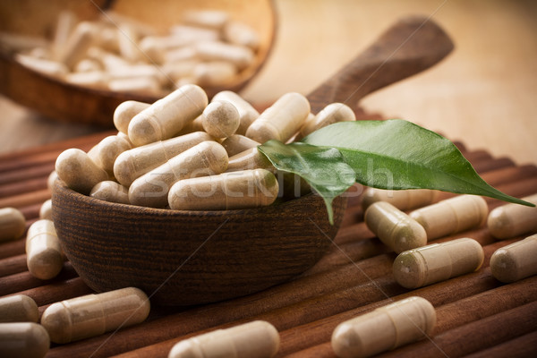 Médecine alternative feuille verte alimentaire nature santé Photo stock © gitusik