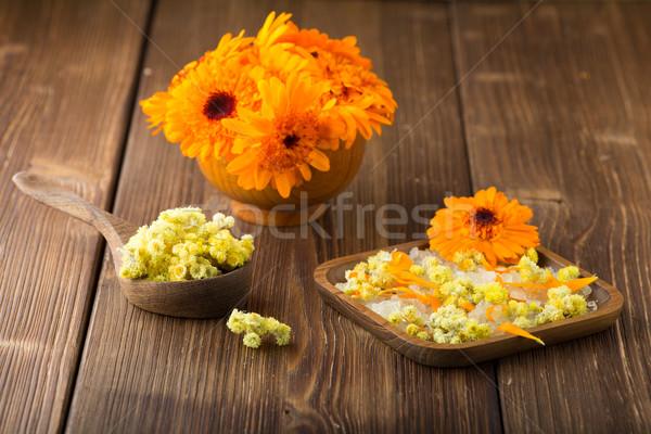 Stock fotó: Homeopatikus · gyógyszer · száraz · virágok · fából · készült · felület