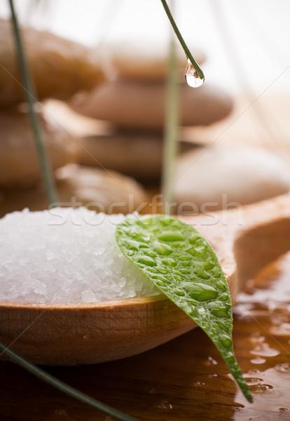 Sal marina cuchara de madera hoja verde spa piedras gotas Foto stock © gitusik