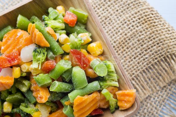 Congelato verdura tavolo in legno alimentare insalata mangiare Foto d'archivio © gitusik