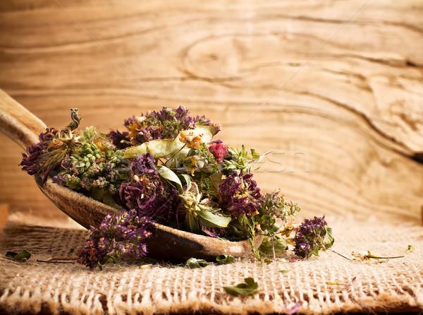 Gyógynövény tea száraz fakanál orvosi egészség zöld Stock fotó © gitusik