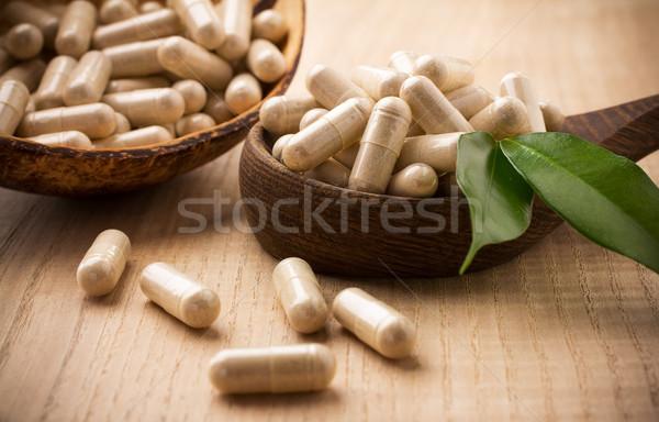Alternatieve geneeskunde groen blad voedsel natuur gezondheid Stockfoto © gitusik