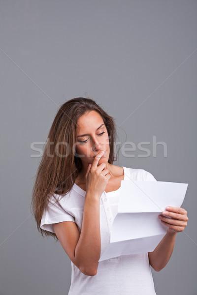 女性 思考 手紙 シート 文書 ストックフォト © Giulio_Fornasar