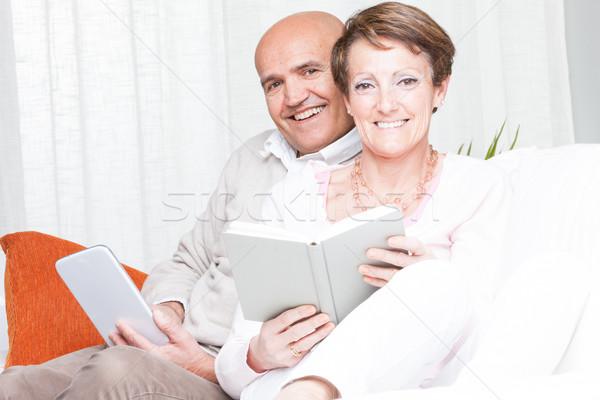 Stock fotó: Szerető · boldog · pár · megnyugtató · olvas · otthon