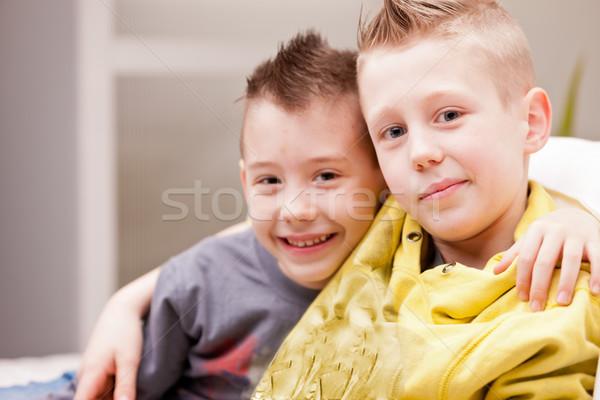 Twee kinderen spelen video games weinig jongens leuk Stockfoto © Giulio_Fornasar
