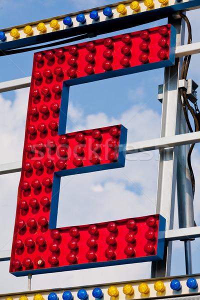 Lettre cirque enseigne au néon classique électriques signe Photo stock © Giulio_Fornasar