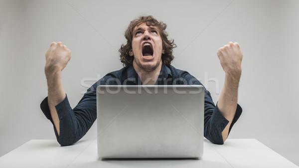 Adam bilgisayarlar teknoloji öfkeli bilgi teknolojisi Stok fotoğraf © Giulio_Fornasar