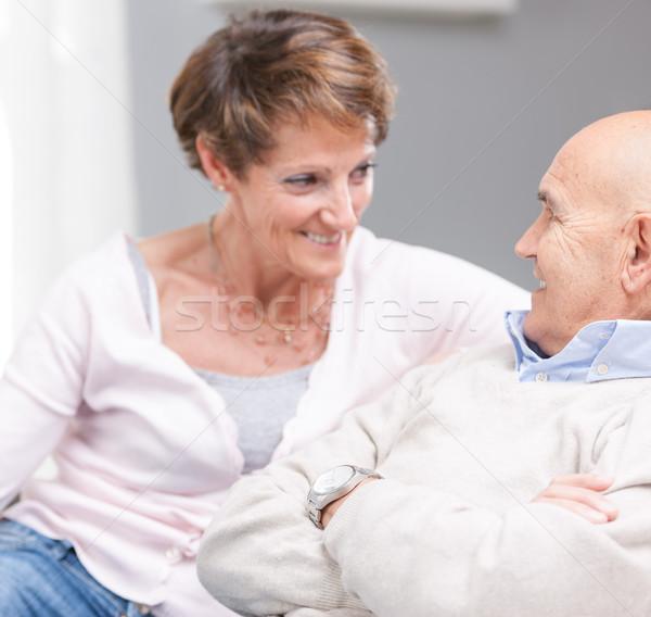 любящий счастливым пару расслабляющая диван Сток-фото © Giulio_Fornasar