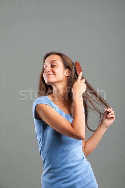 Belo mulher jovem longo cabelo castanho caber Foto stock © Giulio_Fornasar