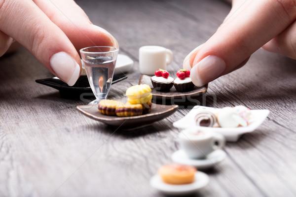 Zdjęcia stock: Kobieta · miniatura · herbaty · zestaw · cookie · malutki