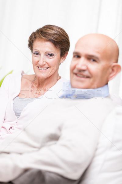 Gelukkig paar ontspannen home sofa Stockfoto © Giulio_Fornasar