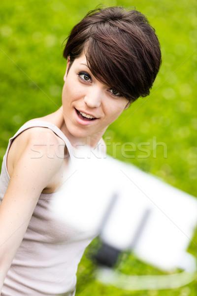 Vrouw eigen portret telefoon mooie vrouw Stockfoto © Giulio_Fornasar