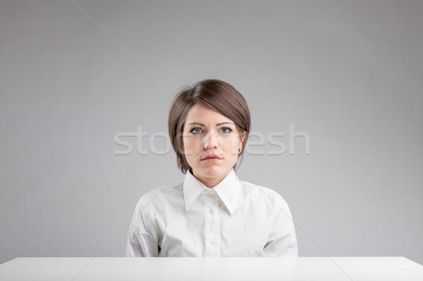 Poważny portret kobiety pracy tabeli szary kobieta Zdjęcia stock © Giulio_Fornasar