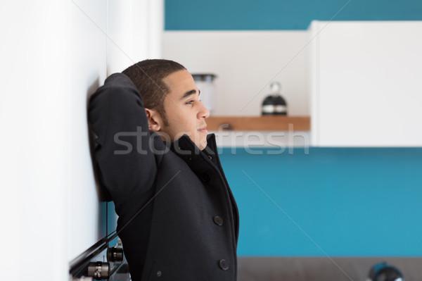 человека расслабляющая служба оружия за голову Сток-фото © Giulio_Fornasar