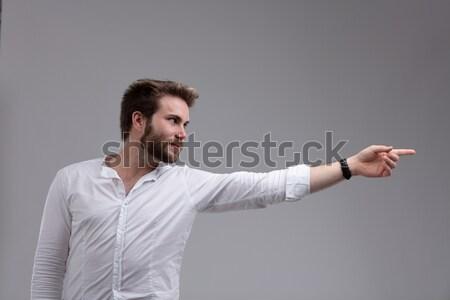 Foto d'archivio: Attrattivo · barbuto · uomo · punta · lato · braccio