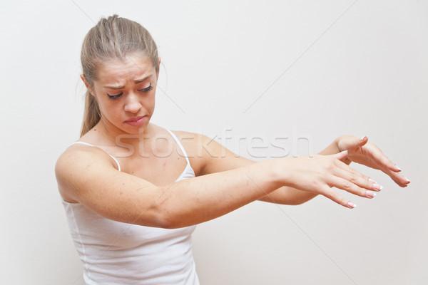 Сток-фото: женщину · жест · далеко · мне