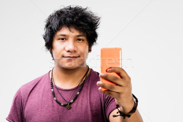 Pueden línea teléfono móvil jóvenes hombre mano Foto stock © Giulio_Fornasar