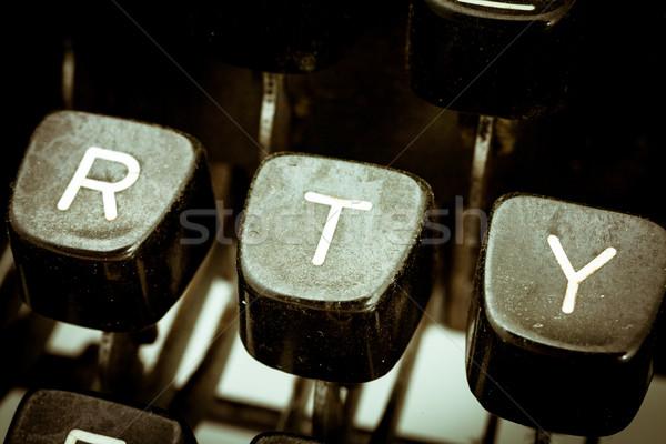 Levél klasszikus írógép billentyűzet közelkép egyéb Stock fotó © Giulio_Fornasar