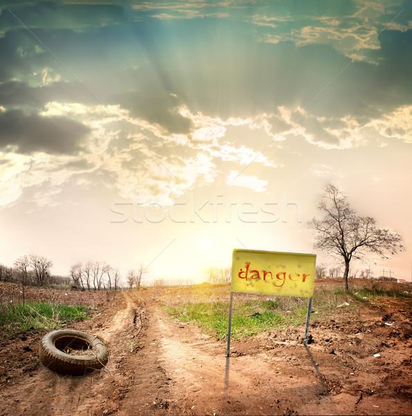 опасность ведущий ограниченный небе трава Сток-фото © Givaga