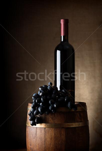Barile bottiglia bottiglia di vino vino rosso uve legno Foto d'archivio © Givaga
