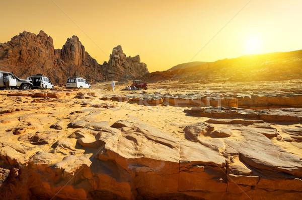 Utazás sivatag egyiptomi naplemente égbolt autó Stock fotó © Givaga