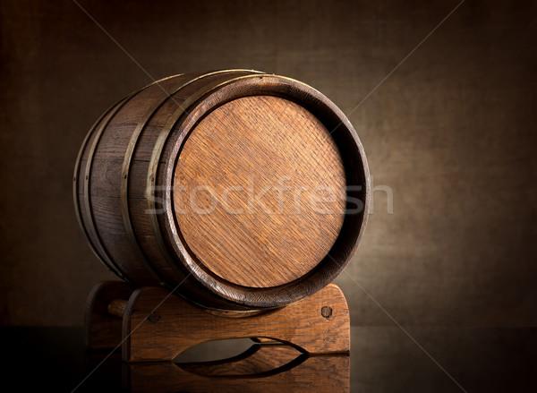 Vieux bois baril toile vin noir Photo stock © Givaga