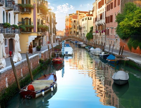 Canal Venecia barcos Italia ciudad pared Foto stock © Givaga