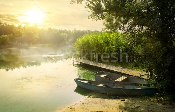 Boten pier mooie zomer ochtend zon Stockfoto © Givaga