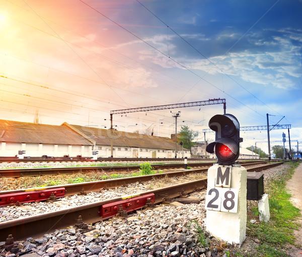 ストックフォト: 赤 · 信号 · 信号 · 鉄道 · 光 · 金属