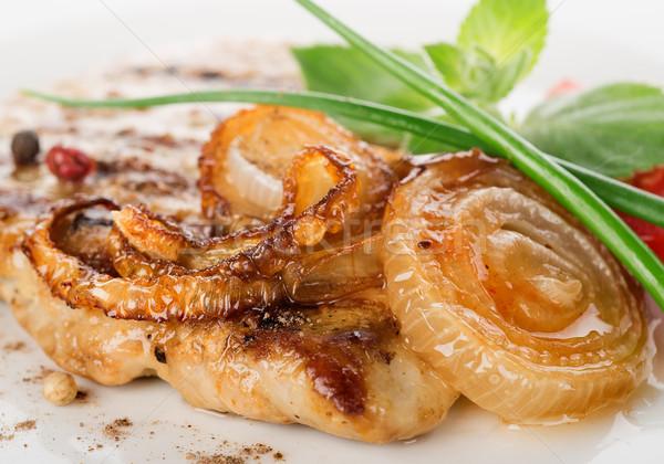 豚肉 ステーキ フライド タマネギ 白 プレート ストックフォト © Givaga