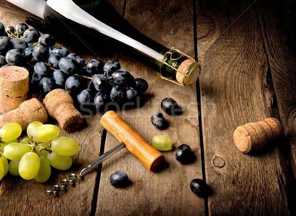 Foto stock: Uva · vinho · tabela · mesa · de · madeira · festa · fruto