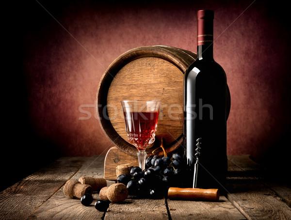Foto stock: Roxo · uva · vinho · barril · mesa · de · madeira · festa
