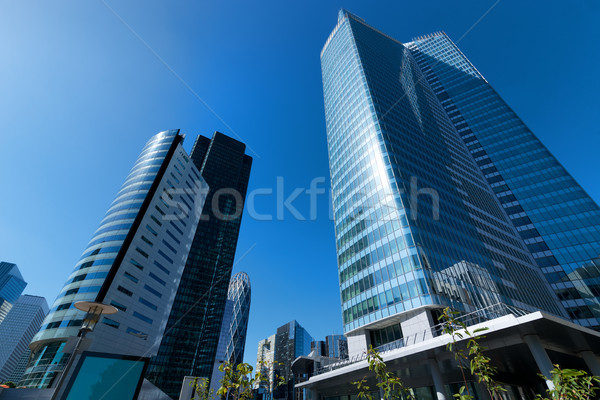 Zona comercial moderna cielo azul oficina casa árbol Foto stock © Givaga