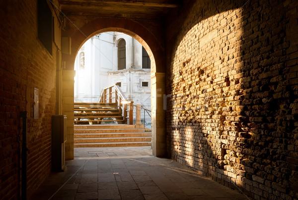 Arch mattone muri vecchio Venezia Italia Foto d'archivio © Givaga
