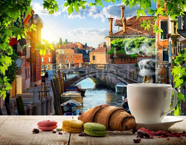 завтрак романтические кофе конфеты дерево город Сток-фото © Givaga