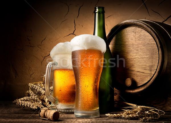 Cerveza cervecería mesa pared fondo Foto stock © Givaga