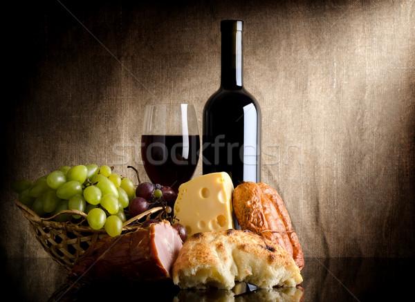ストックフォト: ワインボトル · 食品 · ワイン · チーズ · ブドウ · ソーセージ